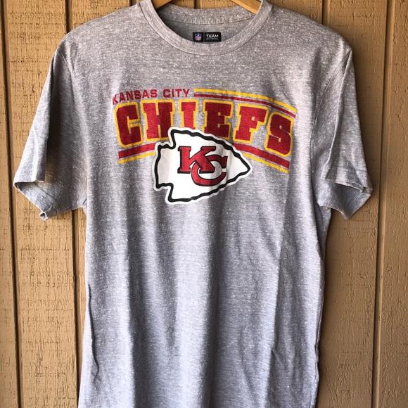 size 40 7adbf d5346 Kansas City Chiefs NFL Apparel Shirt Size Large